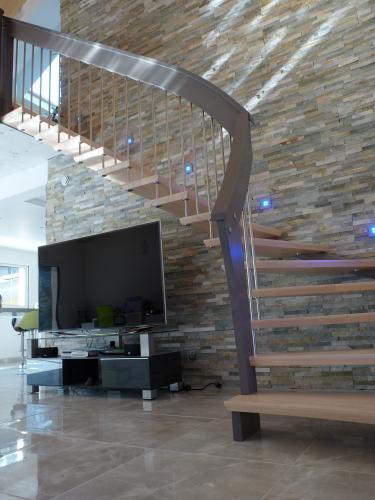 Les Escaliers Baldet - Escaliers Spéciaux, Bois, Acier, Aluminium